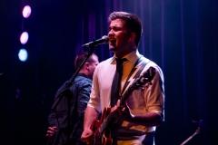 Brett-singing